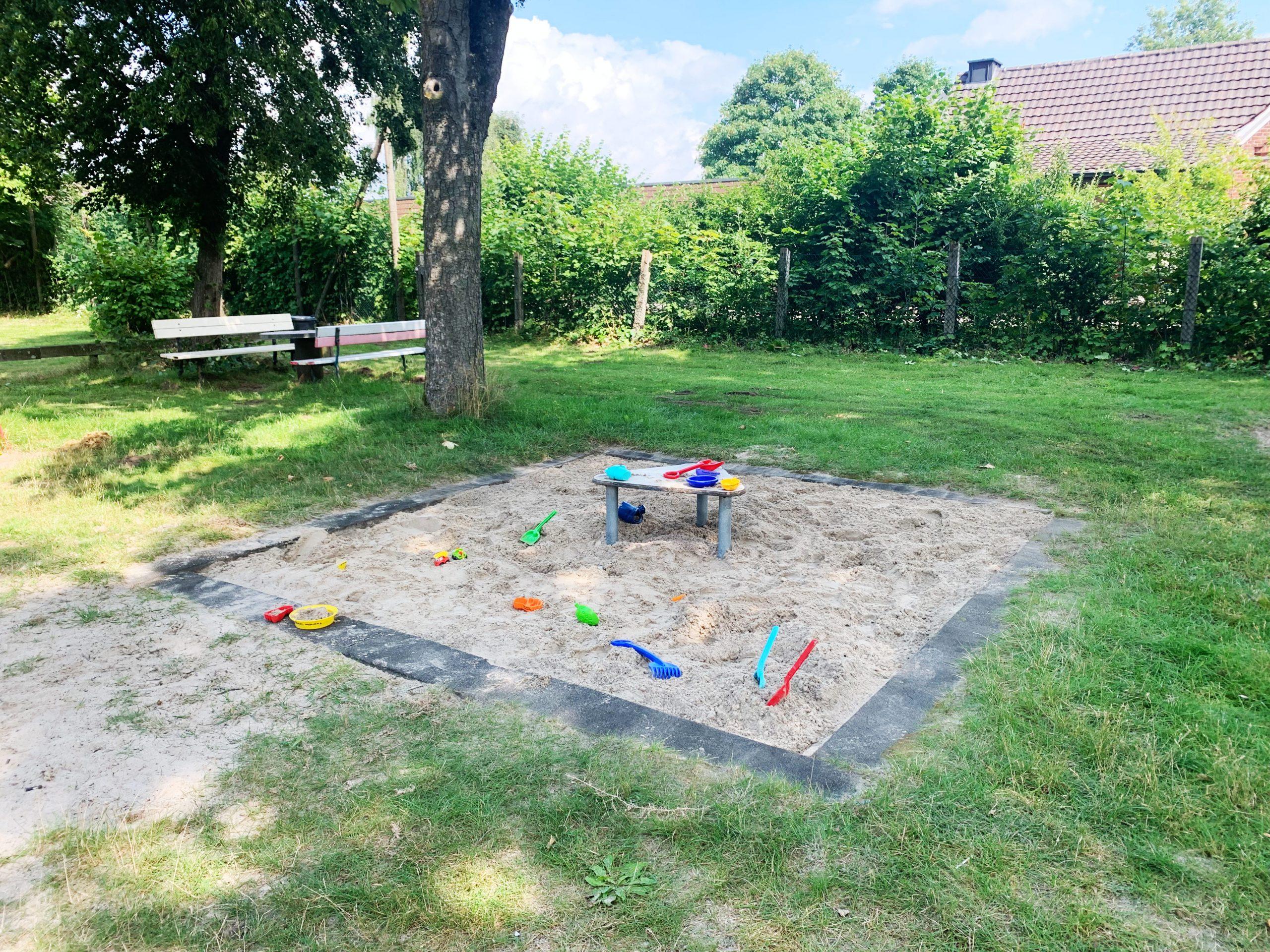 Sandkasten auf dem Spielplatz Hasenhöhle in Rheine-Mesum